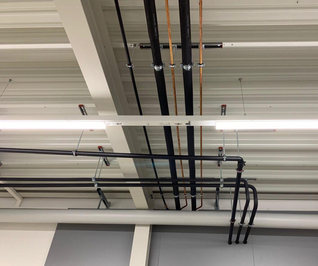 Klimaanlage Leitungsführung Aufputz mit Stangenkupferrohr