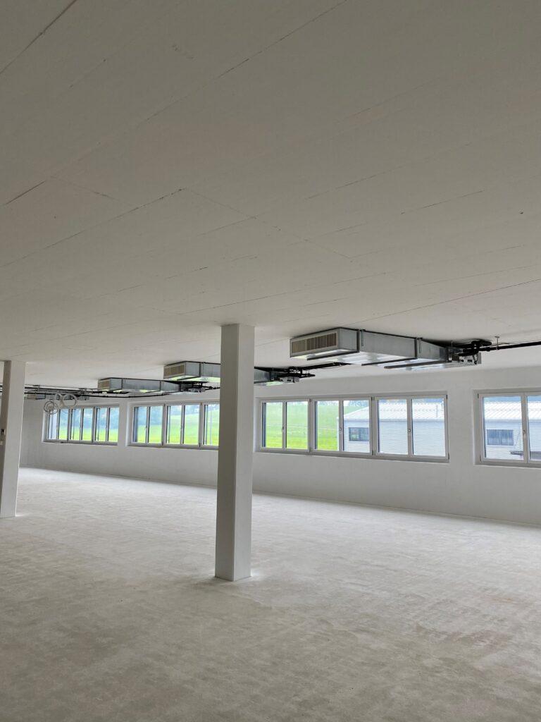 Klimaanlage Innengeräte mit Luftverteilung in Hohldecke