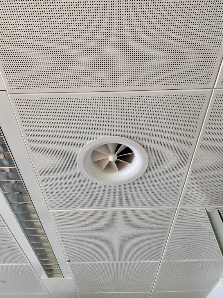 Klimaanlage Drallauslass in Hohldecke